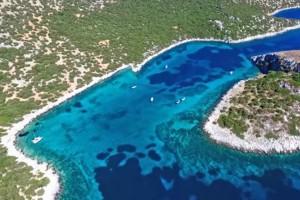 Αυτό το μαγευτικό νησί βρίσκεται μόνο μια ώρα μακριά από την Αθήνα και συ, σίγουρα, δεν το γνώριζες!