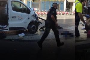 Video καταγράφει τη συγκλονιστική σύλληψη του δράστη της τρομοκρατικής επίθεσης στην Ισπανία!
