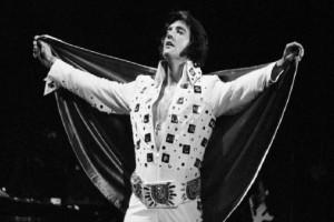 Σαν σήμερα 16 Αυγούστου του 1977 πέθανε ο Έλβις Πρίσλεϊ -  Η πολυτάραχη ζωή του «Βασιλιά» του ροκ-εντ-ρολ