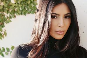 Kim Kardashian: Προσφέρει 500.000$ σε όσους αντιμετωπίζουν προβλήματα από τον τυφώνα Χάρβεϊ!