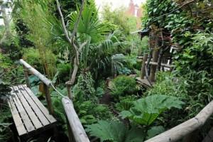 Δεν υπάρχει! Ξόδεψε 20 χρόνια από τη ζωή του για να φτιάξει αυτόν τοn κήπο. Άξιζε; ! (photos)