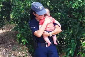 Το πιο γλυκό video που θα δείτε: Αστυνομικός ηρεμεί μωρό μετά από τροχαίο!