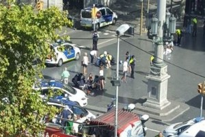 Συναγερμός στη Βαρκελώνη! Δύο νεκροί - Με τα πόδια διέφυγε ο οδηγός του βαν