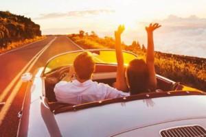 7 πράγματα που δεν πρέπει ποτέ να κάνεις στις διακοπές μαζί της!