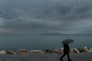 Καλοκαιριά με την... ψύχρα της εποχής! Σε ποιες περιοχές θα βρέξει;