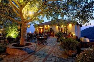 Ιδανικοί προορισμοί για εκδρομή: Τα 5 ελληνικά χωριά που θα σε μαγέψουν με την ομορφιά τους!