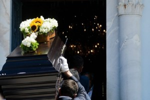 Απίστευτο κι όμως αληθινό: Επί 14 χρόνια πήγαινε απρόσκλητη σε κηδείες για να τρώει δωρεάν!