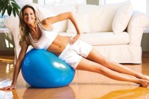 6 ασκήσεις με την μπάλα ισορροπίας για να αποκτήσεις το... κορμί!