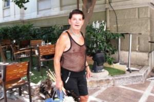 Τι και αν είναι 92 χρονών; Η θρυλική «φτερού» οργώνει ακόμα την Αθήνα! (Photos+video)
