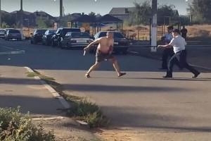 Βίντεο - φρίκης: Αποκεφάλισε μωρό 18 μηνών και έτρεχε με το κεφάλι τους στον δρόμο!