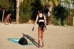 Αποκλειστικό: Η εικόνα της γυναίκας από την παραλία του Παλαιού Φαλήρου είναι photoshop! Φωτογραφία - ντοκουμέντο που αποδεικνύει την αλήθεια!
