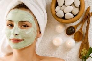 Φτιάξε την δική σου σπιτική μάσκα προσώπου και αντιμετώπισε την λιπαρότητα!