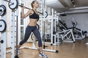 Πώς το μεϊκάπ στο γυμναστήριο μπορεί να βλάψει την επιδερμίδα σου!