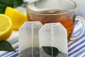 Πόσα μπορούμε να κάνουμε με ένα φακελάκι τσάι; 5 εναλλακτικές χρήσεις που δεν γνωρίζατε!