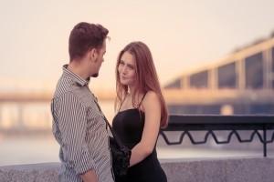 Κορίτσια δώστε βάση: 5 πράγματα που κάνετε για να κερδίσετε έναν άνδρα και τελικά... τον χάνετε!