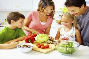 Γονείς δώστε βάση: Πώς θα βάλετε τα φρούτα και τα λαχανικά στη διατροφή των παιδιών σας!