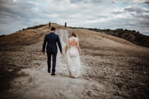 Η φωτογραφία της ημέρας: Η εντυπωσιακή εικόνα γάμου που κάνει τον γύρο του διαδικτύου!