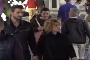 Χαλαρές στιγμές στην Μύκονο με τον σύντροφό της η Ελεονώρα Ζουγανέλη  (Video)