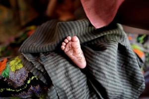 Η φωτογραφία της ημέρας: Η γέννηση ενός μωρού στο Μπαγκλαντές!