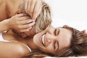 Έρευνα δείχνει ότι οι δεξιοί ευχαριστιούνται τον έρωτα!