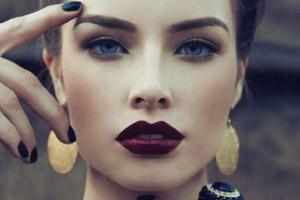 Σκούρα χείλη: Εύκολες συμβουλές για να πετύχεις την απόλυτη τάση του φθινοπώρου!