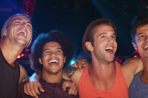 Καλύτερα με τους φίλους παρά με την κοπέλα τους περνούν οι άντρες!