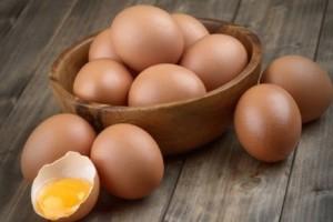Δώστε βάση: Γιατί δεν πρέπει να μαγειρεύετε ποτέ τα αυγά με αυτόν τον τρόπο!