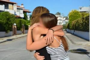 Πέφτει η αυλαία στο οικογενειακό δράμα του Μαρκοπούλου! Κηδεύονται μαζί μάνα και κόρη