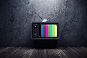 """Ανατροπή στην τηλεθέαση: Το πρόγραμμα που δεν περίμενε κανείς και ξεφτίλισε σε νούμερα """"Τατουάζ"""" και """"Nomads""""!"""