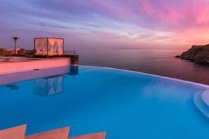 Η παραμυθένια ελληνική βίλα που νοικιάζεται έναντι 20.000 ευρώ την εβδομάδα! Που βρίσκεται; (photos)