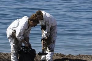 Παραδίδονται οι ακτές του Παλαιού Φαλήρου που είχαν πληγεί από την πετρελαιοκηλίδα!