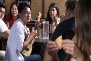 Νοmads: Το φλερτ της Μαντώ Γαστεράτου με νεαρό Φιλιππινέζο! Η δημόσια αφιέρωση και η αντίδραση της παρουσιάστριας…(βίντεο)