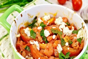 Φτιάξτε ένα πεντανόστιμο πιάτο - Κοτόπουλο σαγανάκι με σάλτσα ντομάτας!