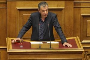 Θεοδωράκης για αλλαγή φύλου: Να υπερασπιστούμε τα δικαιώματα της μειοψηφίας!