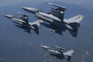 Συνεχίζει να προκαλεί η Τουρκία: 33 παραβιάσεις από κατασκοπευτικά αεροσκάφη στο Αιγαίο