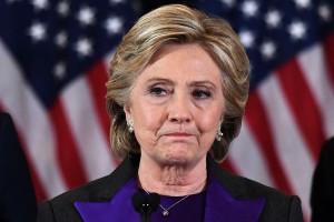 Το απίστευτο ατύχημα της Χίλαρι Κλίντον: Δείτε πώς εμφανίστηκε σε τηλεοπτική εκπομπή!