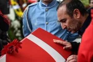Πώς βρέθηκε ο Λεωνίδης στην κηδεία του Σουλεϊμάνογλου - Δείτε όλο το παρασκήνιο