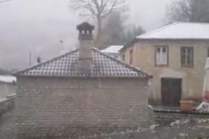 """Στα """"λευκά"""" χωριά των Ιωαννίνων: Στους -5ο C η θερμοκρασία! (video)"""