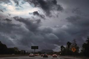 Καιρός: Βροχές και καταιγίδες σήμερα -Μικρή πτώση της θερμοκρασίας!
