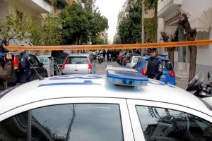 Σοκαριστικές εξελίξεις με την δολοφονία στον Πειραιά: 23χρονος ομολόγησε ότι σκότωσε τον θείο του γιατί πήγε να τον...