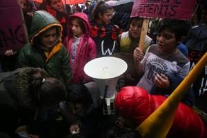 Σοβαρά επεισόδια στη Μόρια - Στη λάσπη κοιμούνται οι πρόσφυγες! (Photo)
