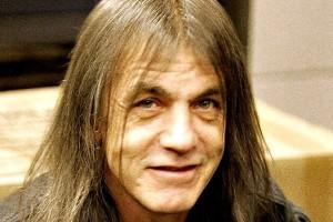 Πέθανε ο συνιδρυτής και κιθαρίστας των AC/DC, Malcolm Young!