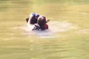 Ένα βίντεο που έγινε αμέσως viral! - Γενναίος κολυμβητής βούτηξε για να σώσει ένα ελάφι!