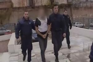 Με κατάρες και βρισιές ξεκίνησε η δίκη για την δολοφονία του φοιτητή στην Πεντέλη (Video)