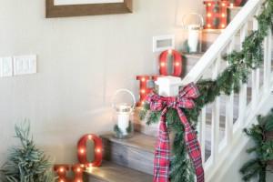 Χριστουγεννιάτικη διακόσμηση χωρίς δέντρο: 14 πρωτότυπες ιδέες για να στολίσετε με φωτάκια  (Photos)