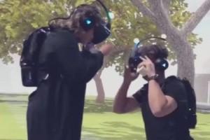 Απίστευτο βίντεο: Έκανε πρόταση γάμου σε παιχνίδι εικονικής πραγματικότητας!