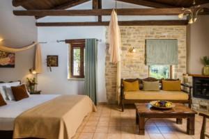 Τα καλύτερα ξενοδοχεία στην Ελλάδα για το 2018!
