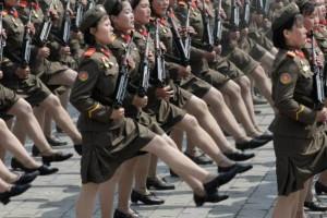 Το ακούσαμε και αυτό: Ο Κιμ «κόβει την περίοδο» στις γυναίκες του στρατού του