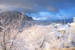 6 μυστικά χωριά της Ελλάδας μόνο για τολμηρούς! Τοπία που κάνουν τις Άλπεις να ωχριούν (Photos)