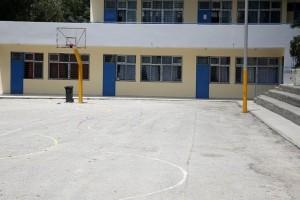 Χαμός σε σχολείο της Πάτρας: Καθηγητής χαστούκισε μαθητή για να τον κάνει... άντρα!